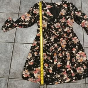 F21 black floral pleated dress size small